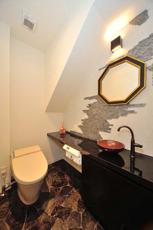 N邸1Fトイレ